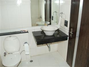 Pitrashish Aashray Hotel New Delhi and NCR - washroom