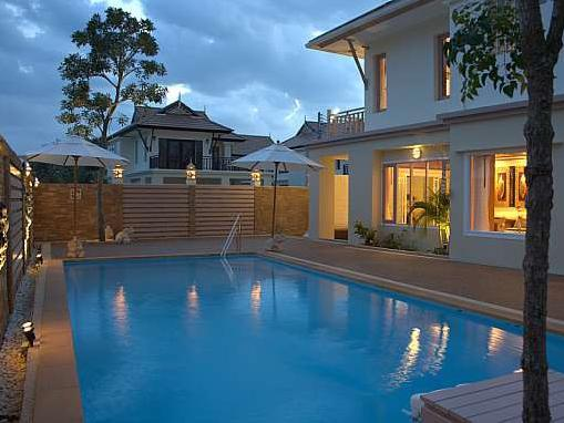 Hotel Aonang And House