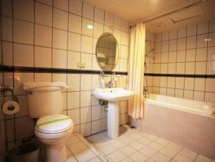 Anhwa Hotel Hualien - Bathroom