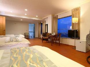 Anhwa Hotel Hualien - Family (six people)