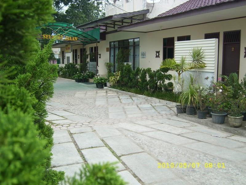 Hotel Tiga Besar - Hotels and Accommodation in Indonesia, Asia