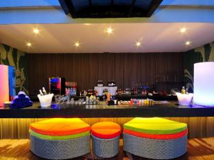 Citrus Sukhumvit 13 Nana Bangkok by Compass Hospitality Bangkok - Food, drink and entertainment