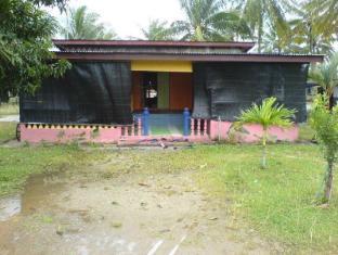 Homestay Kampung Rhu Sepuluh 卡玛普昂塞谱路寄宿酒店