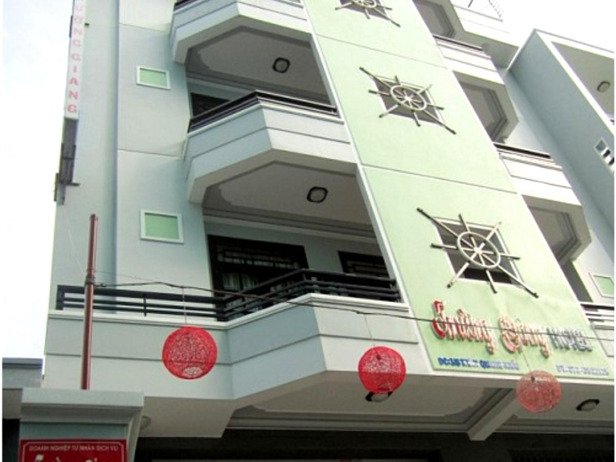 Hotell Truong Giang Hotel