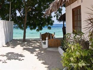 Barefoot White Beach Resort Cebu City - Praia