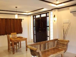 Palms Cove Resort Panglao Island - Suite Room