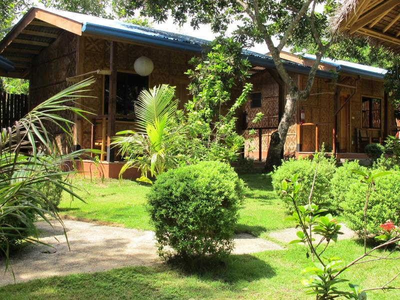 L'Elephant Bleu Cottages & Rooms Bohol - zunanjost hotela