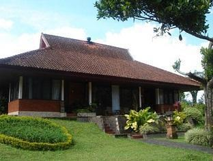 Lake Buyan Cottage