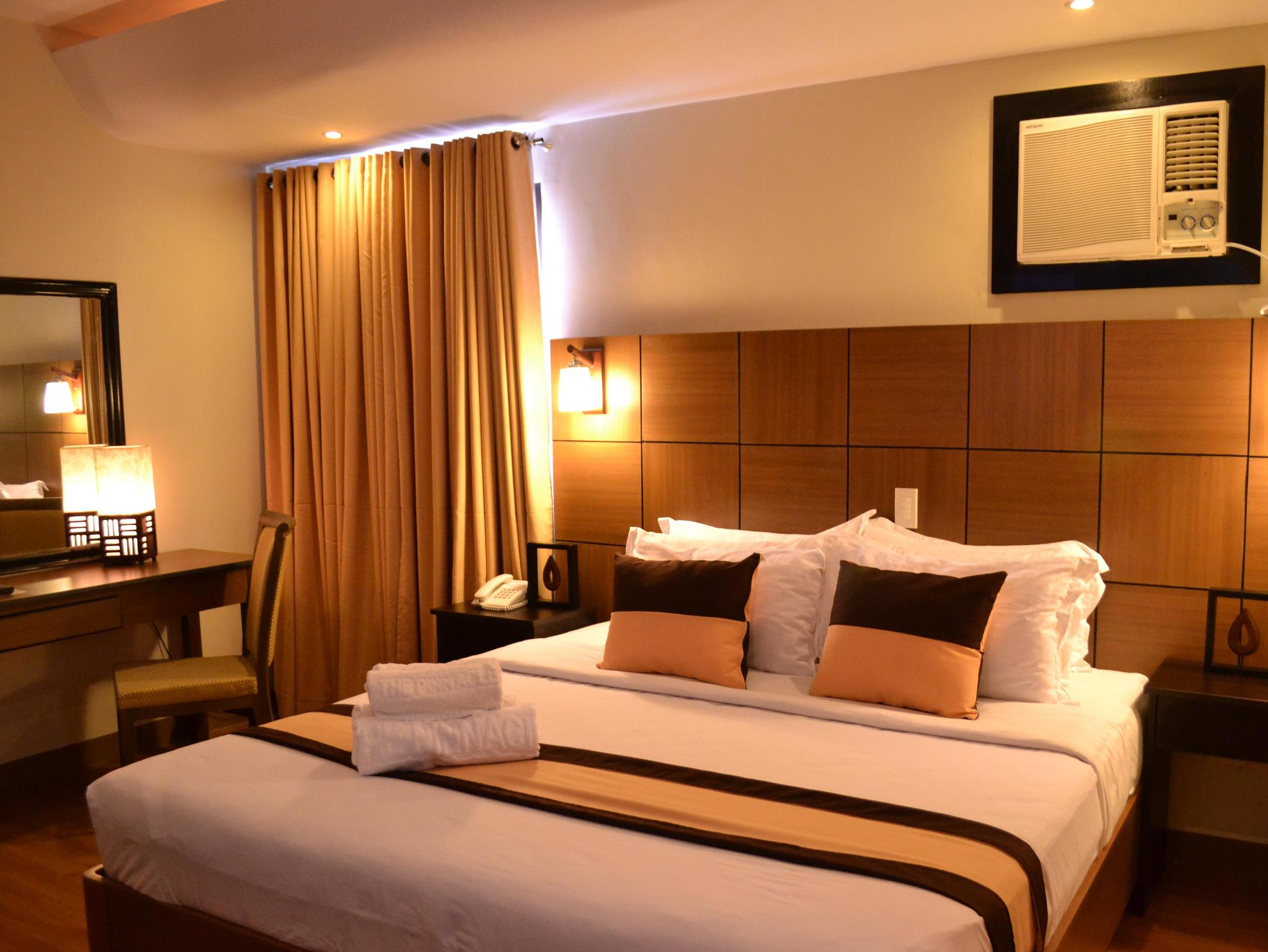 Pinnacle Hotel and Suites Davao City - Utsiden av hotellet