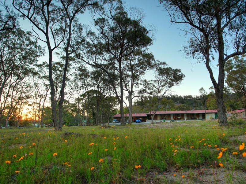 Murray Gardens Country Cottages & Motel - Hotell och Boende i Australien , Stanthorpe