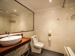Angkor International Hotel Phnom Penh - Bathroom