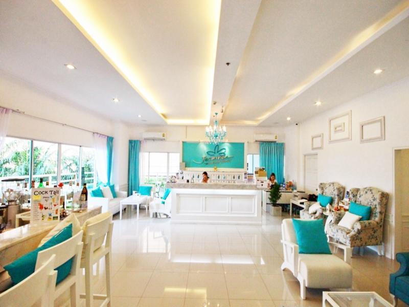 Jasmina Condo Service at View Talay Condominium Beach Pattaya