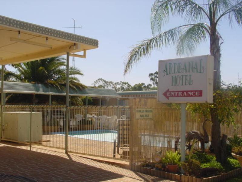 Ardeanal Motel - Hotell och Boende i Australien , West Wyalong