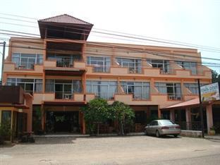 โรงแรมรีสอร์ทChuan Phun Lodge โรงแรมในชุมพร