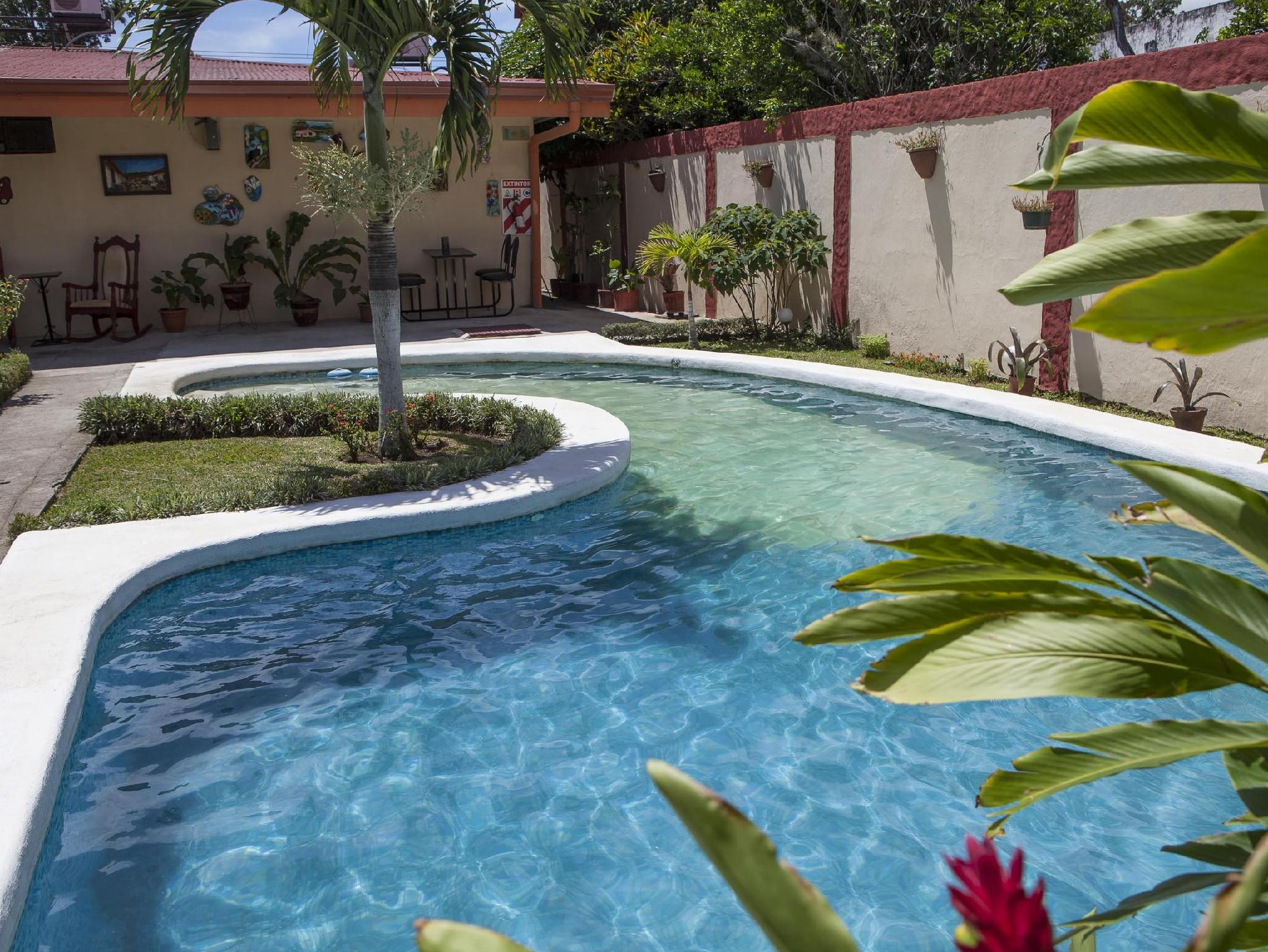 Berlor Airport Inn - Hotels and Accommodation in Costa Rica, Central America And Caribbean
