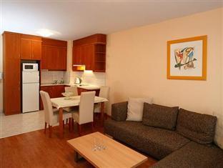 Bokreta Apartment Budapest Budapest - Kitchen and Living room