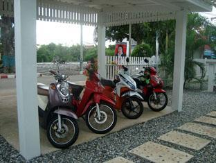 Charlie's Bungalows Chonburi - Scooters For Hire