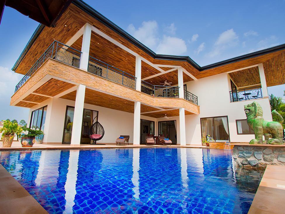Phoenix Lakeside Pool Villa