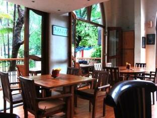 Barday's Inn Goa Utara - Restoran