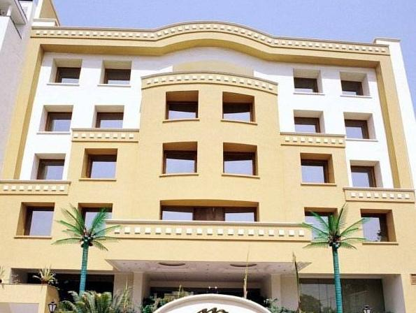 Hotel Meraden Grand - Hotell och Boende i Indien i Varanasi