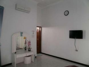 Homestay Kalijudan سورابايا - غرفة الضيوف