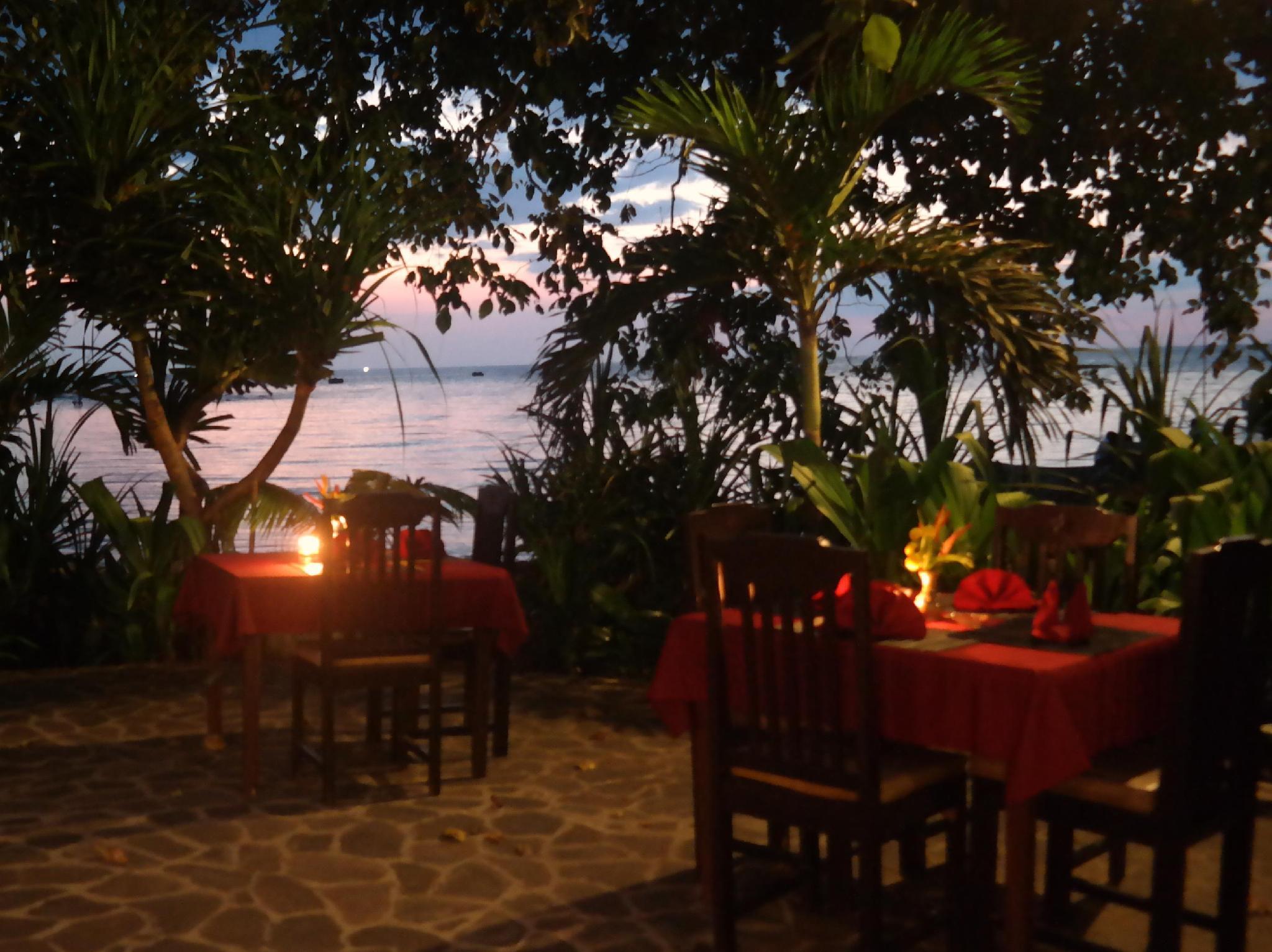 Hotell 1000 Dream Bungalow   Restaurant