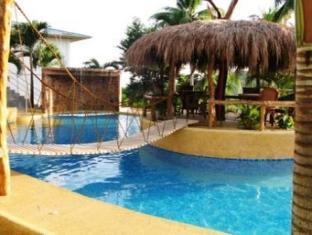 Bohol Homes בוהול - בריכת שחיה
