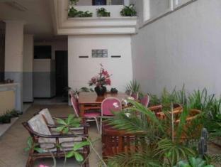 Hotel Paprica 1 Surabaya - Back Area