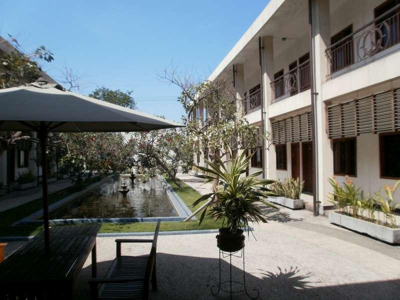 Hotel Pacific Surabaya סורבאיה