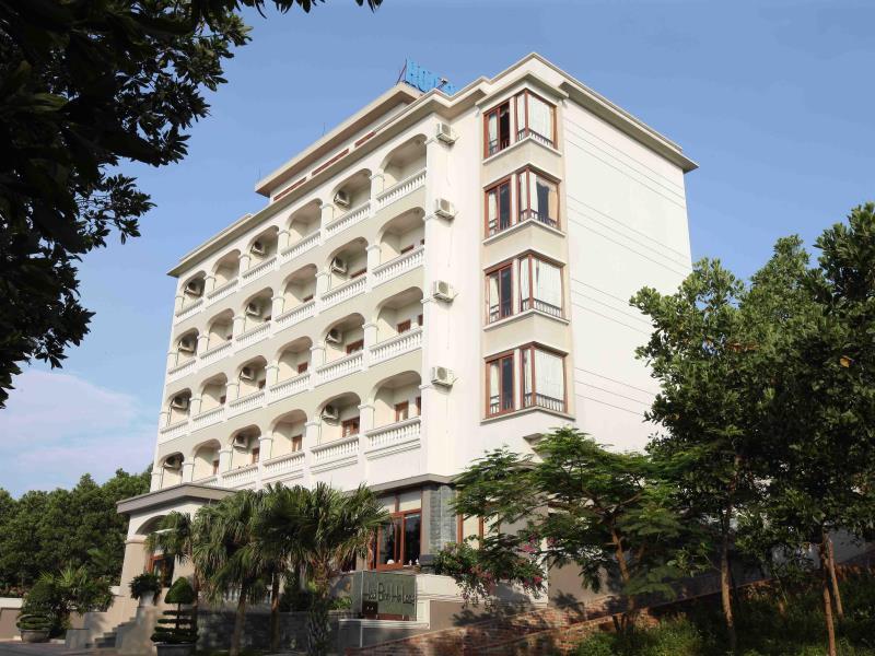 Hoa Binh Ha Long Hotel - Hotell och Boende i Vietnam , Halong