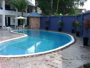 Peter Pan Resort Phuket - Pool at day time