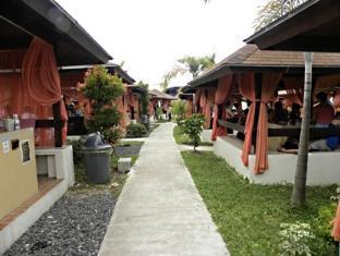 Emar's Wavepool Hotel and Beach Resort Davao - Recreational Areas