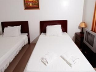 Emar's Wavepool Hotel and Beach Resort Davao - Deluxe Twin Double