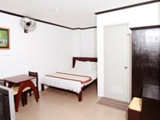 Emar's Wavepool Hotel and Beach Resort Davao - Standard Queen
