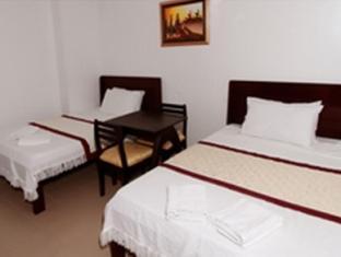 Emar's Wavepool Hotel and Beach Resort Davao - Standard Twin Matrimonial