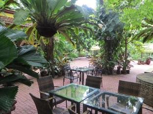 Hotel Precious Garden of Samal דבאו - גינה
