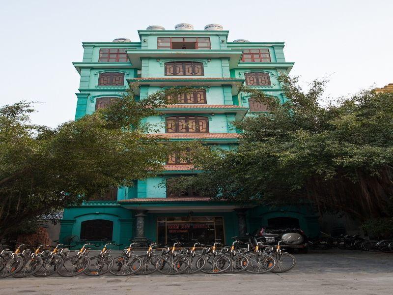 Hotell Nam Hoa Hotel