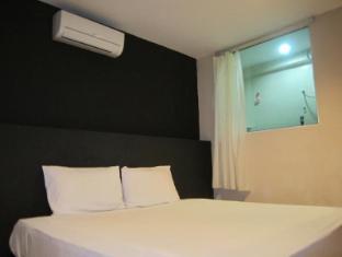 Smart Hotel-R Kepong Kuala Lumpur - Standard Double With Window