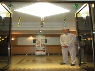 Hotell Surya Hotel