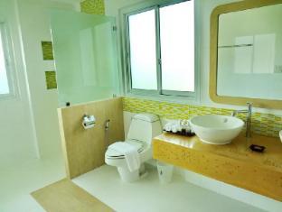 Bussaba Bangkok Boutique Hotel Bangkok - Double Deluxe Bathroom