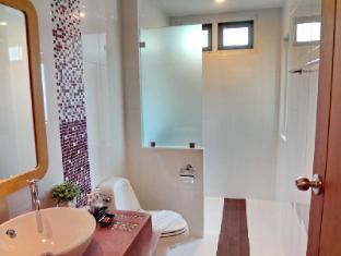 Bussaba Bangkok Boutique Hotel Bangkok - Double Superior Bathroom