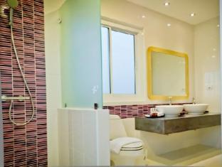 Bussaba Bangkok Boutique Hotel Bangkok - Triple Standard Bathroom