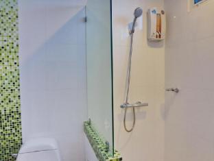 Bussaba Bangkok Boutique Hotel Bangkok - Triple Deluxe Bathroom