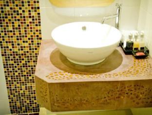 Bussaba Bangkok Boutique Hotel Bangkok - Twin Standard Bathroom