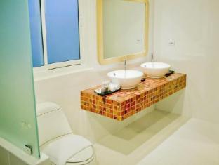 Bussaba Bangkok Boutique Hotel Bangkok - Family Standard Bathroom