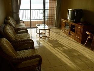 KK Stays @ Marina Court Resort Condominium Kota Kinabalu - Living Area
