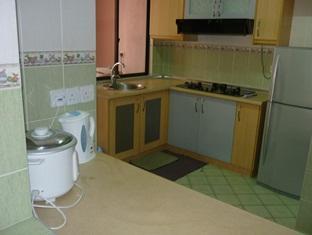 KK Stays @ Marina Court Resort Condominium Kota Kinabalu - Kitchen
