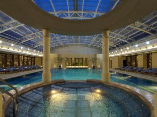 Radisson Blu Hotel Shanghai New World Shanghai - Swimming Pool
