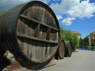 Reimersholme Hotel Stockholm - Old vodka barrel