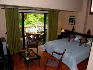 Bed & Breakfast at Royale Tagaytay Country Club Tagaytay - Guest Room